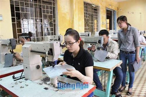 Thông báo tuyển sinh đào tạo nghề nông thôn 1956 thị xã Sơn Tây